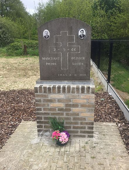Memorial to French resistance fighters Marchant and Olivier, shot by the SS near Hill 60 (Ypres) in 1944 Hill 60 Ypres Belgium Marchant Olivier 1944 Memorial.jpg