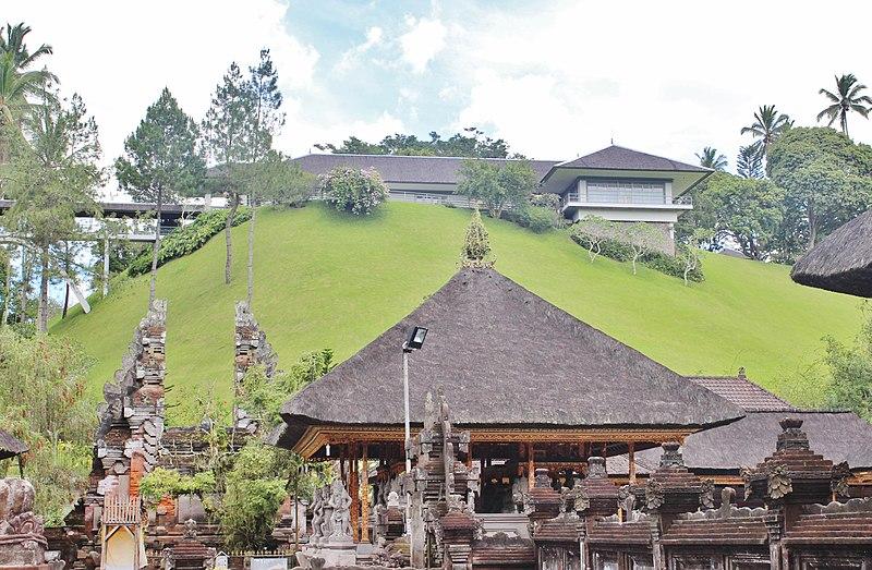 Berkas:Holy Water Temple Ubud, Bali, indonesia - panoramio (9).jpg