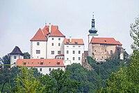 Hrad Vysoký Chlumec, od Pivovarské hory (01).jpg