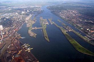 North Sea Canal - Mouth and locks at the North Sea.