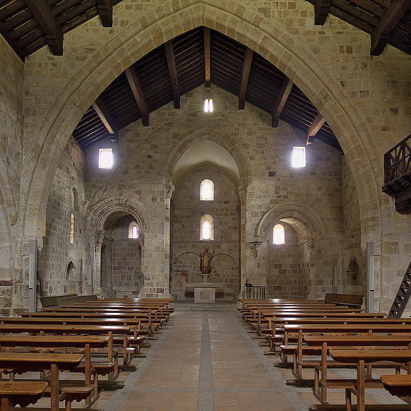 Iglesia de San Cipriano (Zamora). Interior.jpg