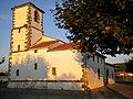 Iglesia de San Salvador, Castenedo (Ribamontán al Mar) - panoramio.jpg