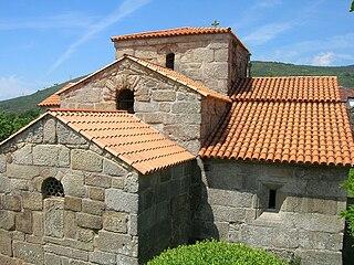 Iglesia de Santa Comba de Bande1.jpg