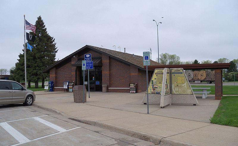 File:Interstate 29 rest stop SD 5.JPG