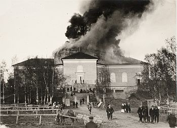 English: Jämsä old church burning in Finland i...