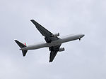 JAL Boeing 767-346ER JA601J on Final Approach at Taipei Songshan Airport 20150201a.jpg