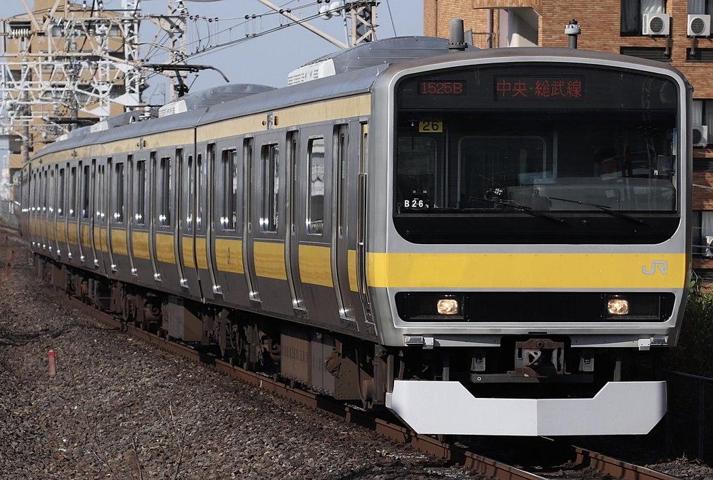 平井駅に進入するE231系電車