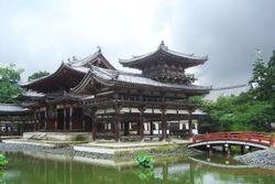El hôôdô de Byōdō-in en Uji cerca de Kioto (1053)
