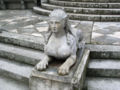 Jardin El Capricho Sfinxs at Plaza de los Emperadores04.jpg
