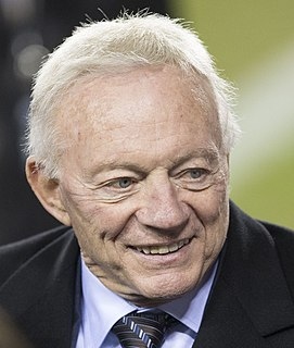 Jerry Jones American football player, executive, team owner