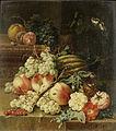 Johann Amandus Winck - Eine Melone, Pfirsiche und Trauben auf einem Sims mit Schnecken (1795).jpg