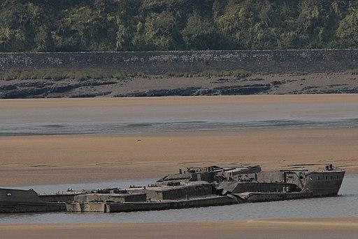 John Harker tanker barges at Purton (geograph 4176327)