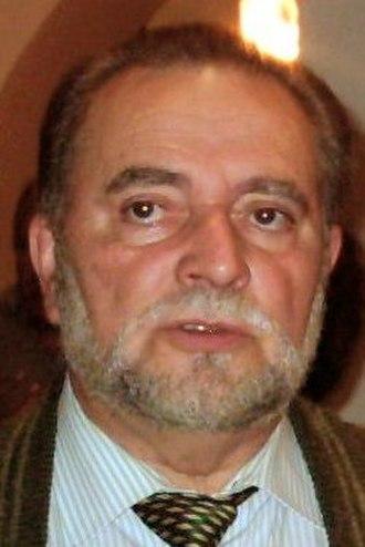 Spanish local elections, 1995 - Image: Julio Anguita en el Ateneo de Córdoba en 2004 (Recortada)