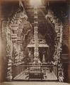 KITLV 92099 - Unknown - Sanctuary in the Meenakshi temple complex Sundareshvara at Madurai in India - Around 1870.tif