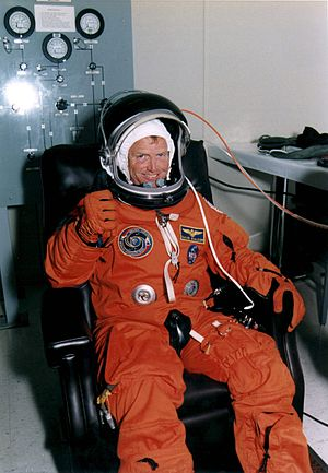 Launch Entry Suit - Image: KSC 95EC 1291