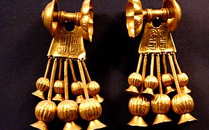 KV56 - Gold earrings from KV56