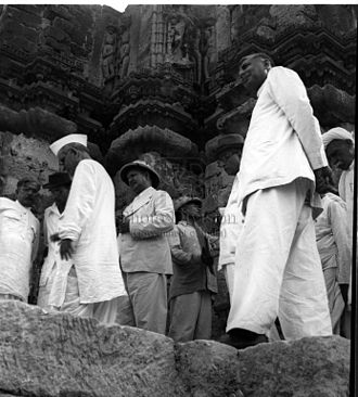Somnath temple - K. M. Munshi with archaeologists and engineers of the Government of India, Bombay and Saurashtra, with the ruins of Somnath Temple in the background, July 1950.