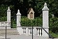 Kaskadenbrunnen am Ostfriedhof (München) 09.jpg