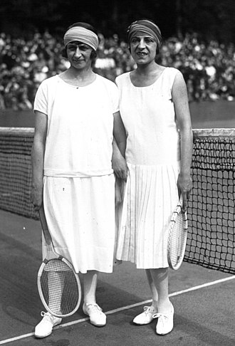 Kathleen McKane Godfree - Kathleen McKane Godfree (left) and Suzanne Lenglen at the French Championships in 1925
