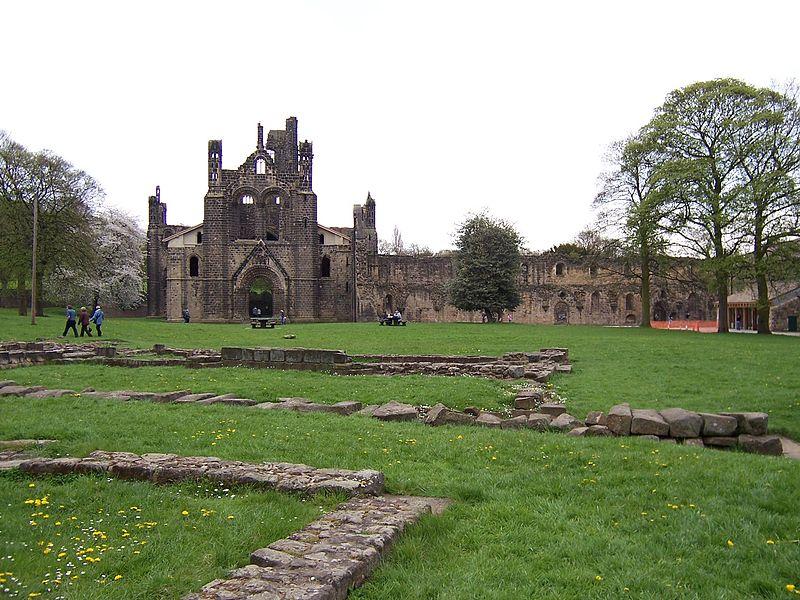 File:Kirkstall Abbey von Westen.jpg