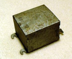 Capacitor types - Image: Kondensator Block Kondensator Wiki 07 02 11