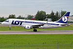 LOT, SP-LIC, Embraer ERJ-175STD (16410859609) (2).jpg