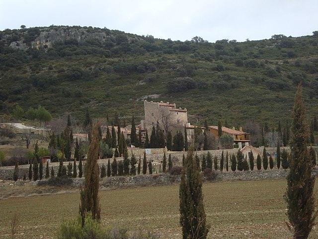 https://upload.wikimedia.org/wikipedia/commons/thumb/b/b0/La_Torre_Beltrans%2C_Ares_del_Maestrat.JPG/640px-La_Torre_Beltrans%2C_Ares_del_Maestrat.JPG