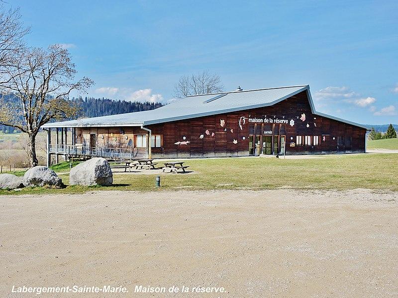 Maison de la réserve.