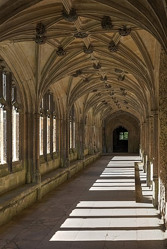 Lacock Abbey (monastery) - Lacock Abbey, the cloister