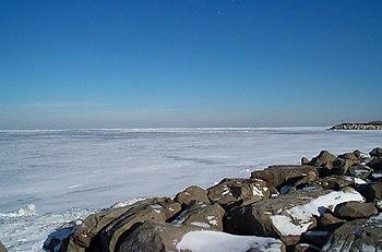 Lac Érié gelé, vu de Cleveland