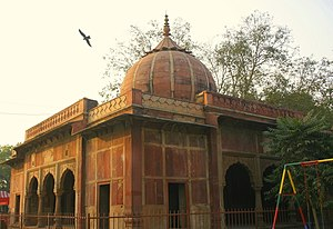 Delhi Golf Club - Lal Bangla, tombs of Lal Kuwar, mother of Shah Alam II, and Begum Jaan his daughter, built c. 1780