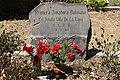 Lapida de Amalia Villa de la Tapia.jpg