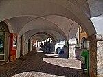 Laubengänge in Neumarkt.jpg