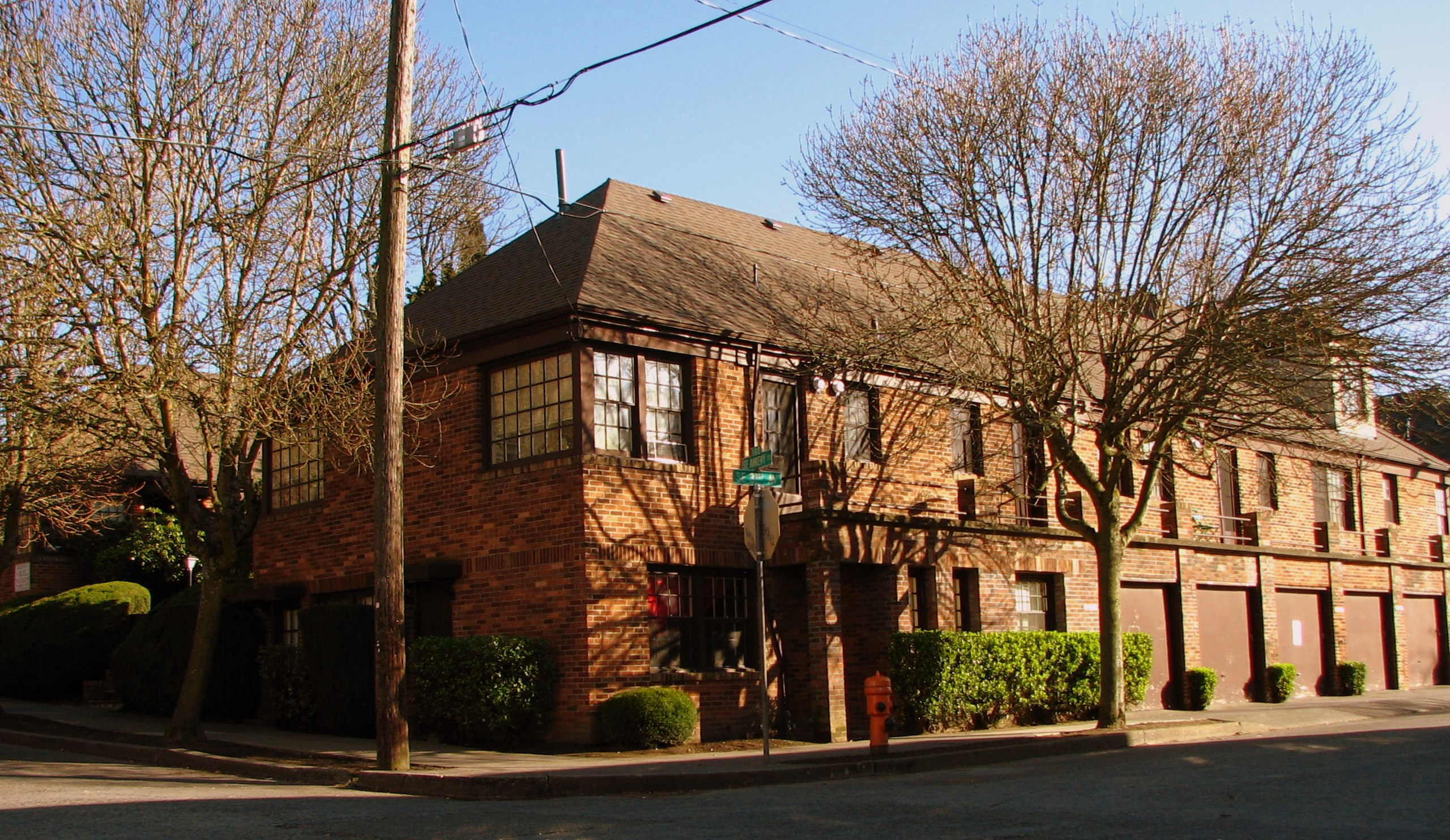Laurelhurst Manor Apartments