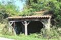 Lavoir de Cantaous (Hautes-Pyrénées) 1.jpg