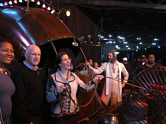 Libby Schaaf - Oakland Mayor Libby Schaaf with California governor Jerry Brown at Schaaf's inaugural celebration (pictured with the art car, the Golden Mean).