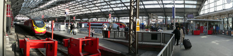 Liverpool Lime Street - south side.jpg