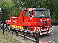 London Buses recovery vehicle 06.jpg