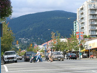 North Vancouver (city) - Main thoroughfare Lonsdale Avenue with Mount Fromme in the background