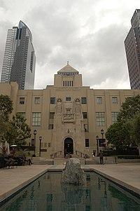 Los Angeles Public Library (2571166072).jpg