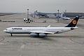 Lufthansa A340-300(D-AIGD) (4100939614).jpg