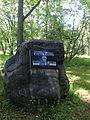 Mälestuskivi Alfred Ilvesele Luua arboreetumis.JPG