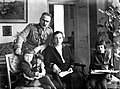 Maarschalk Józef Pilsudski met vrouw en dochters Wanda en Jagoda, Bestanddeelnr 190-0614.jpg