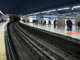 Madrid Metro Sol Station 048.jpg