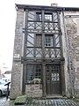 Maison à pans de bois à Moncontour.jpg