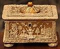 Manifattura ferrese o padovana, cofanetto con dorature e decorazioni a pastiglia, fine XV-XVI sec. 03.JPG