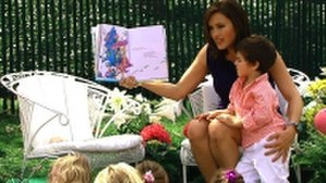 Mariska Hargitay - Hargitay reading Oh! The Places You'll Go! by Dr. Seuss at the 2010 White House Easter Egg Roll