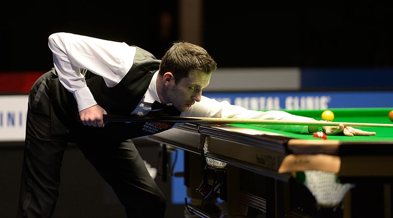 File:Mark Selby at Snooker German Masters (DerHexer) 2015-02-08 04.jpg