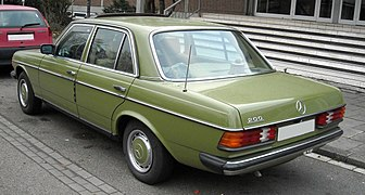 Mercedes-Benz W123 rear 20081125.jpg