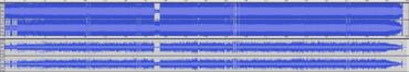 Come mostra la forma d'onda, la versione in CD di Death Magnetic (in alto) è più compressa (meno dinamica) rispetto alla versione pubblicata su Guitar Hero (in basso).
